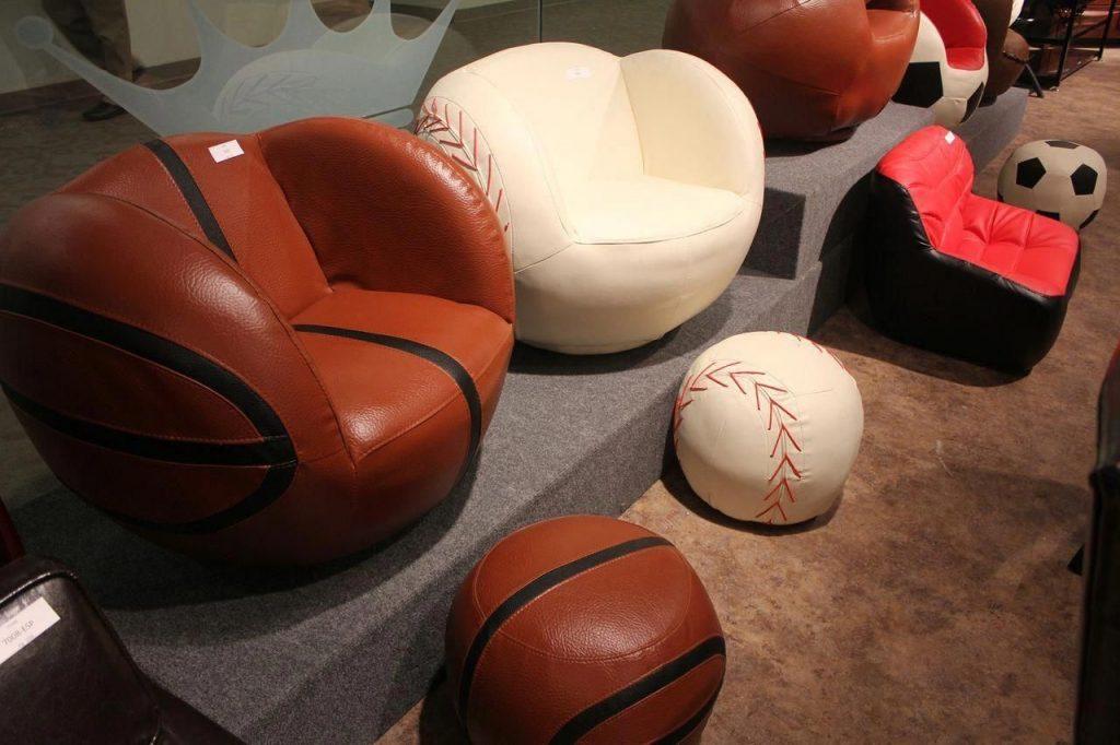 Rawlings Heart Glove Chair